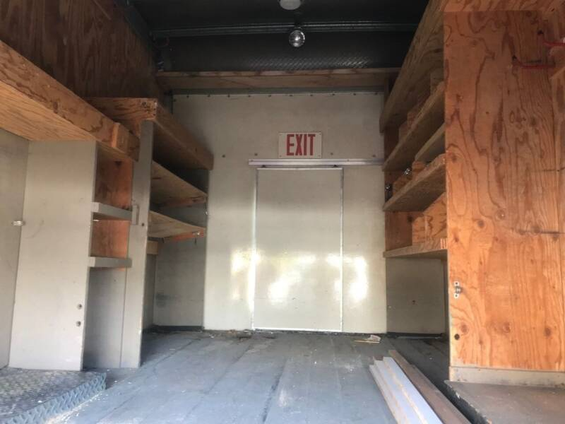 2004 Chevrolet Express Cutaway 3500 2dr Commercial/Cutaway/Chassis 139-177 in. WB - Portland OR
