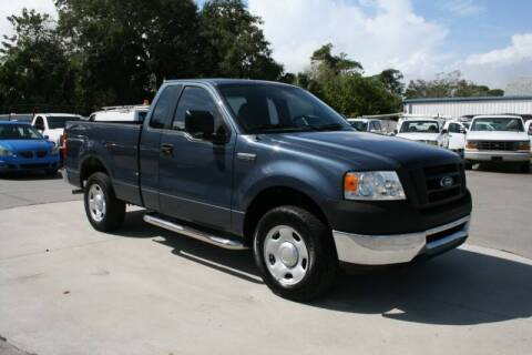 2006 Ford F-150 for sale at Mike's Trucks & Cars in Port Orange FL
