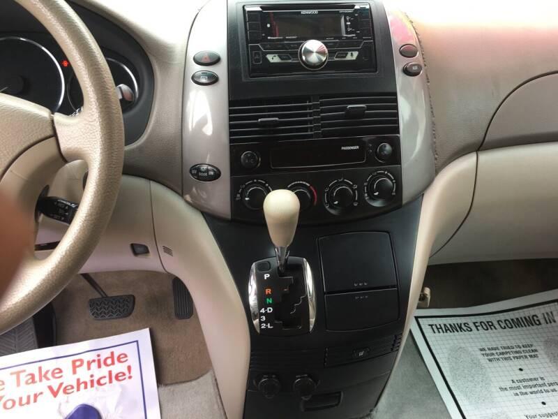 2010 Toyota Sienna LE 7-Passenger 4dr Mini-Van - Douglasville GA