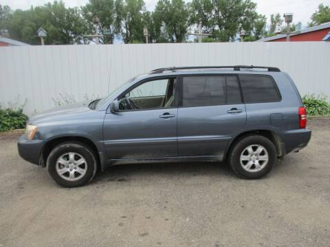 2001 Toyota Highlander for sale at Chaddock Auto Sales in Rochester MN
