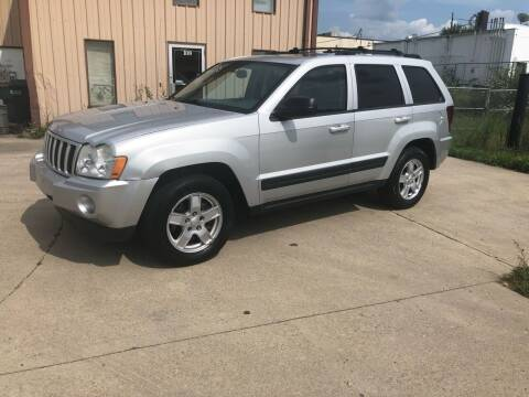 2006 Jeep Grand Cherokee for sale at Walker Motors in Muncie IN