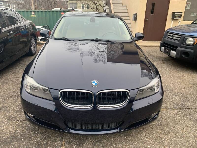 2009 BMW 3 Series for sale at Arlington Auto Brokers in Arlington MA