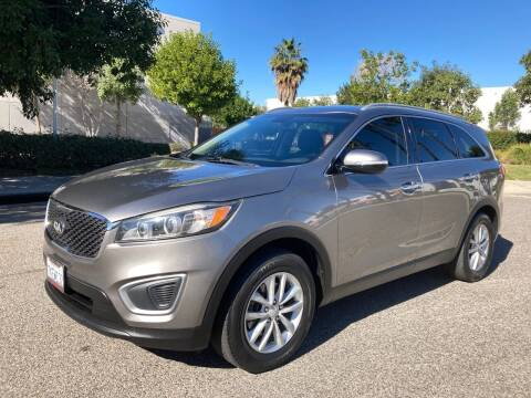 2016 Kia Sorento for sale at Trade In Auto Sales in Van Nuys CA