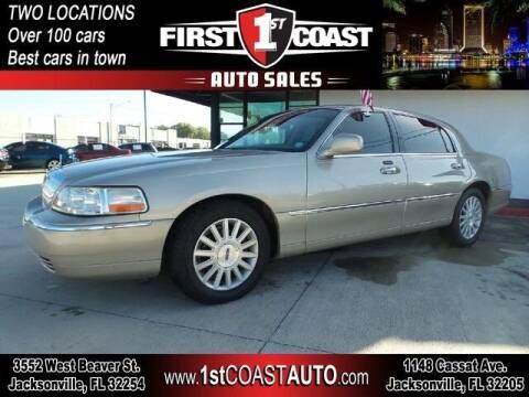 2004 Lincoln Town Car for sale at 1st Coast Auto -Cassat Avenue in Jacksonville FL
