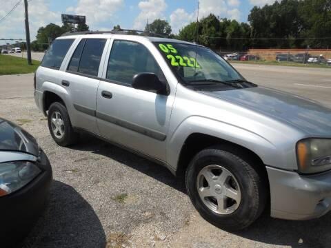 2005 Chevrolet TrailBlazer for sale at SCOTT HARRISON MOTOR CO in Houston TX