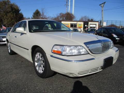 2007 Lincoln Town Car for sale at Unlimited Auto Sales Inc. in Mount Sinai NY