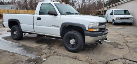 2002 Chevrolet Silverado 2500HD for sale at Russo's Auto Exchange LLC in Enfield CT