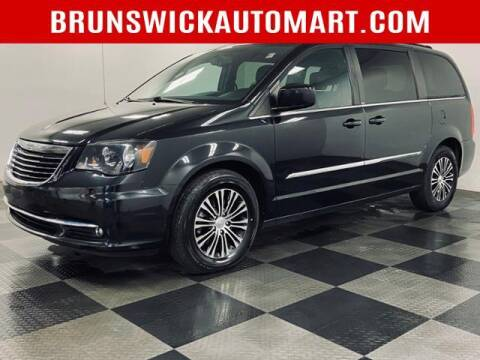 2014 Chrysler Town and Country for sale at Brunswick Auto Mart in Brunswick OH