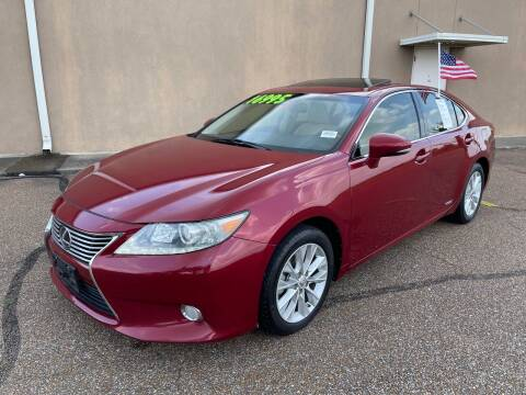 2013 Lexus ES 300h for sale at The Auto Toy Store in Robinsonville MS