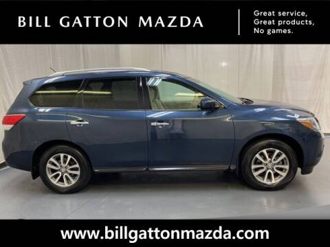 2015 Nissan Pathfinder for sale at Bill Gatton Used Cars - BILL GATTON ACURA MAZDA in Johnson City TN