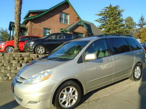 2006 Toyota Sienna for sale at Carsmart in Seattle WA