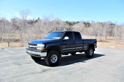 2000 Chevrolet Silverado 1500 for sale at St. Croix Classics in Lakeland MN