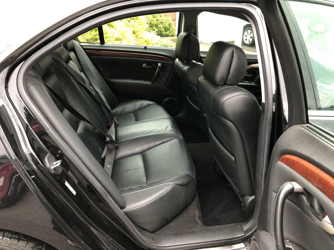2005 Acura RL 4dr Car