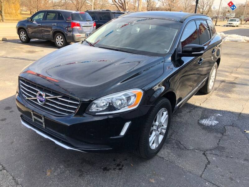 2015 Volvo XC60 for sale at Parkside Auto Sales & Service in Pekin IL