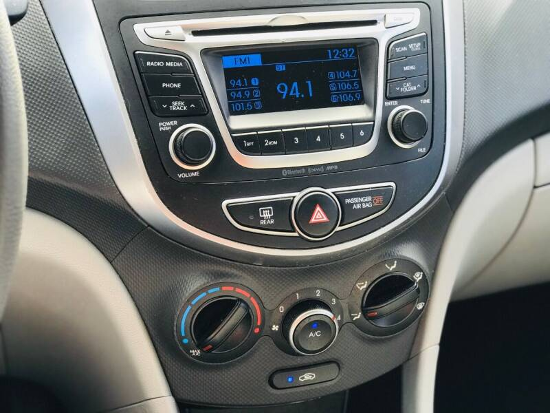2016 Hyundai Accent SE 4dr Sedan 6A - Morristown TN