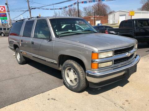 1999 Chevrolet Suburban for sale at Wise Investments Auto Sales in Sellersburg IN