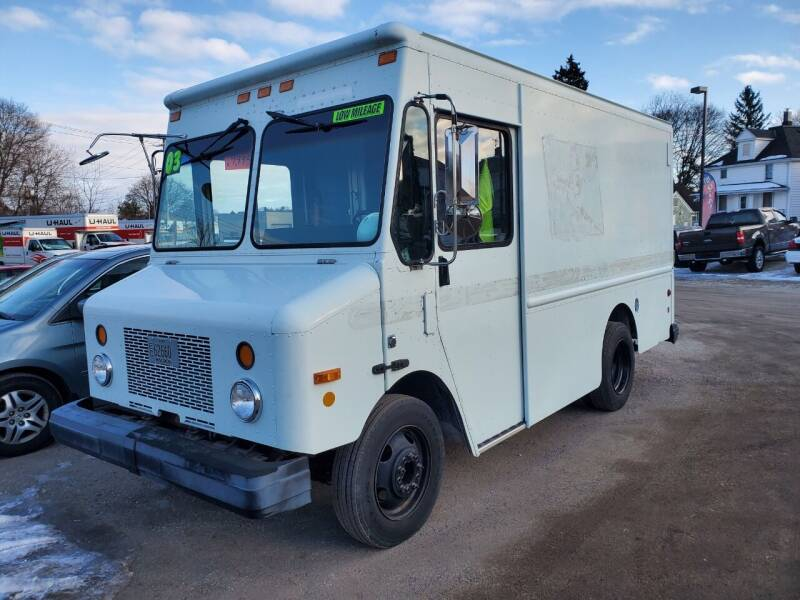2003 Workhorse P42 for sale at JDL Automotive and Detailing in Plymouth WI