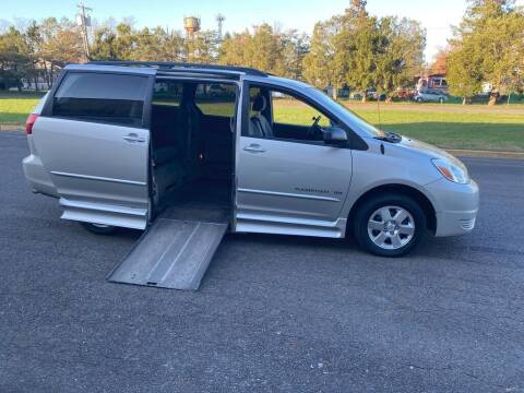 2004 Toyota Sienna for sale at BT Mobility LLC in Wrightstown NJ