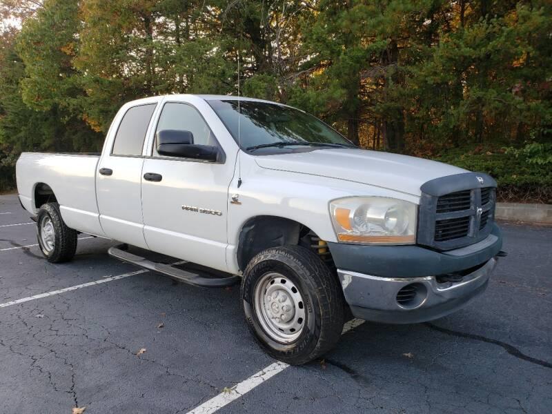 2006 Dodge Ram Pickup 3500 for sale at GEORGIA AUTO DEALER, LLC in Buford GA
