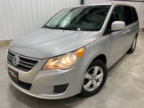 2009 Volkswagen Routan for sale at EUROPEAN AUTOHAUS in Holland MI