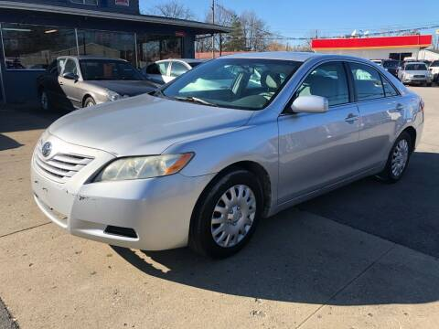 2009 Toyota Camry for sale at Wise Investments Auto Sales in Sellersburg IN