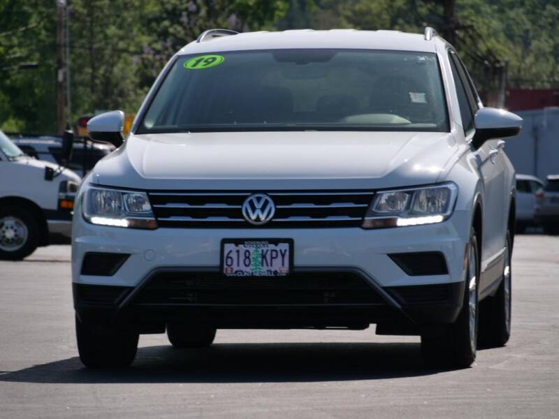 2019 Volkswagen Tiguan for sale at CLINT NEWELL USED CARS in Roseburg OR
