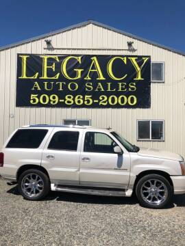 2004 Cadillac Escalade for sale at Legacy Auto Sales in Toppenish WA