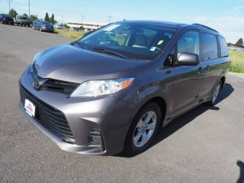 2019 Toyota Sienna for sale at Karmart in Burlington WA
