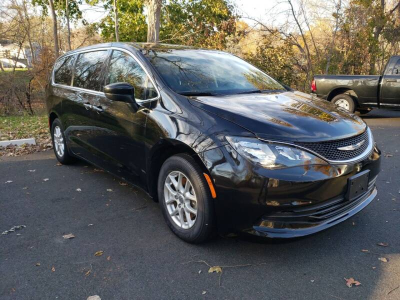 2017 Chrysler Pacifica for sale at KLC AUTO SALES in Agawam MA