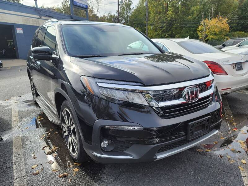 2019 Honda Pilot for sale at AW Auto & Truck Wholesalers  Inc. in Hasbrouck Heights NJ