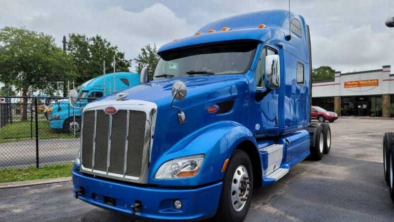 2014 Peterbilt 587 for sale in Orlando, FL