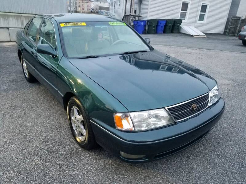 1998 Toyota Avalon for sale at Fortier's Auto Sales & Svc in Fall River MA