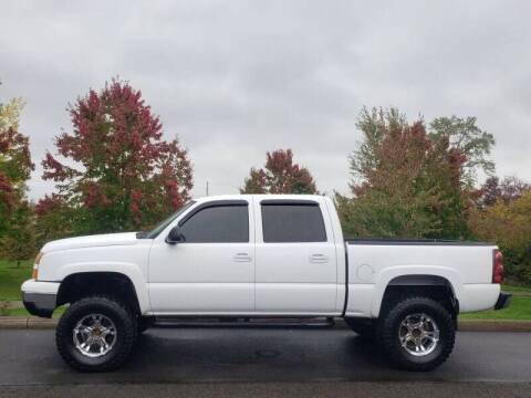2006 Chevrolet Silverado 1500 for sale at CLEAR CHOICE AUTOMOTIVE in Milwaukie OR