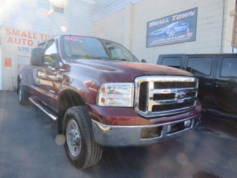 2006 Ford F-250 Super Duty for sale at Small Town Auto Sales in Hazleton PA