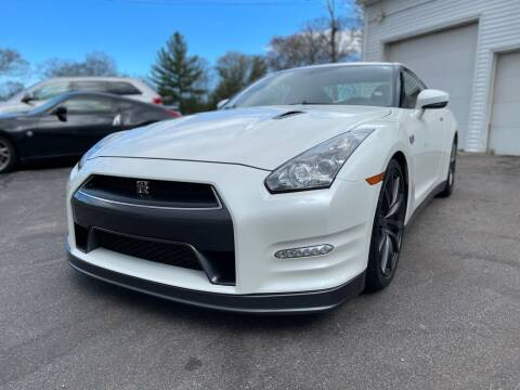 2013 Nissan GT-R for sale at SOUTH SHORE AUTO GALLERY, INC. in Abington MA