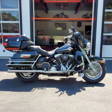 2006 Harley-Davidson Electra Gilde Ultra Classic for sale at R & R AUTO SALES in Poughkeepsie NY