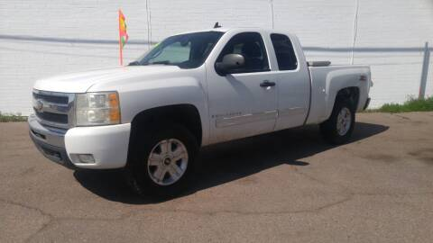 2009 Chevrolet Silverado 1500 for sale at Advantage Motorsports Plus in Phoenix AZ