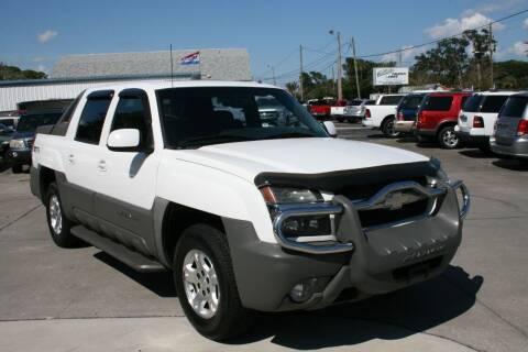 2002 Chevrolet Avalanche for sale at Mike's Trucks & Cars in Port Orange FL