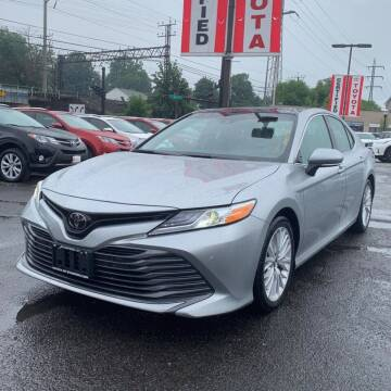 2018 Toyota Camry for sale at OFIER AUTO SALES in Freeport NY