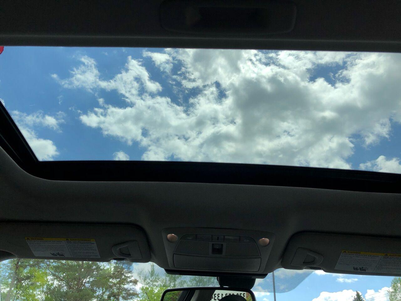 2017 INFINITI Q50 4dr Car