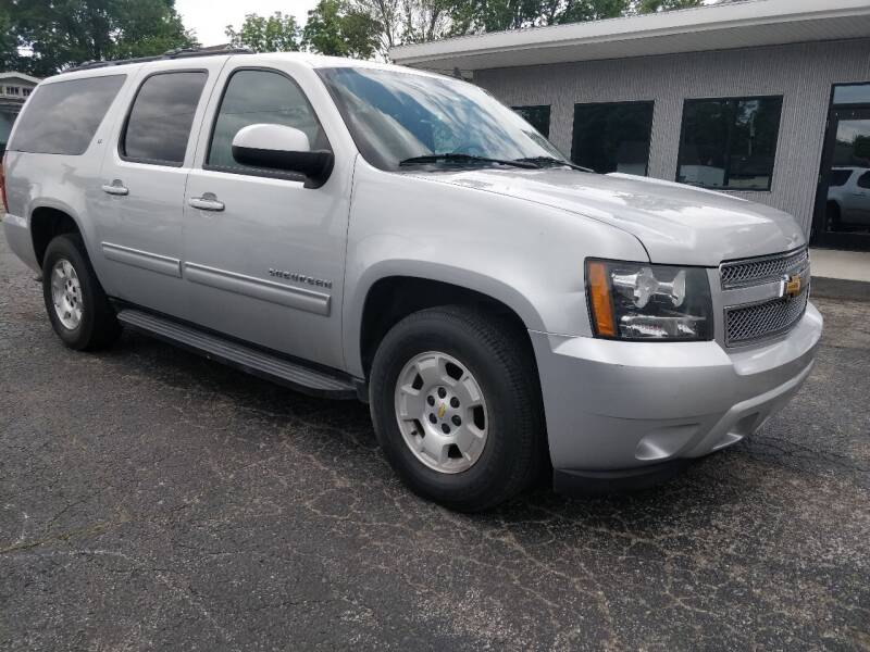 2014 Chevrolet Suburban for sale at The Car Cove, LLC in Muncie IN