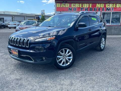 2016 Jeep Cherokee for sale at Yaktown Motors in Union Gap WA