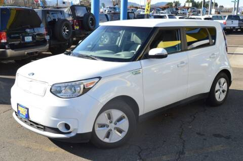 2015 Kia Soul EV for sale at Earnest Auto Sales in Roseburg OR
