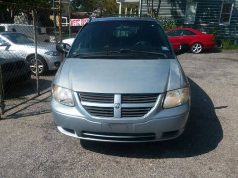 2005 Dodge Grand Caravan for sale at International Auto Sales Inc in Staten Island NY