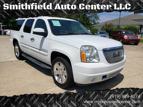 2007 GMC Yukon XL for sale at Smithfield Auto Center LLC in Smithfield NC