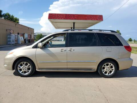 2006 Toyota Sienna for sale at Dakota Auto Inc. in Dakota City NE