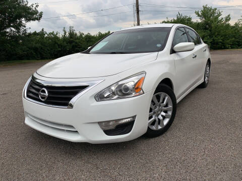 2015 Nissan Altima for sale at Craven Cars in Louisville KY