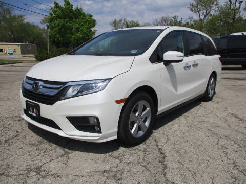2019 Honda Odyssey for sale at Triangle Auto Sales in Elgin IL