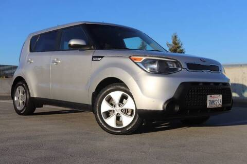 2015 Kia Soul for sale at La Familia Auto Sales in San Jose CA