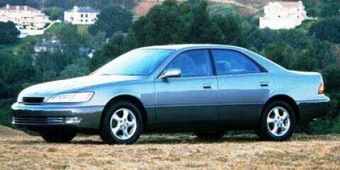 1998 Lexus ES 300 for sale at SCOTT EVANS CHRYSLER DODGE in Carrollton GA
